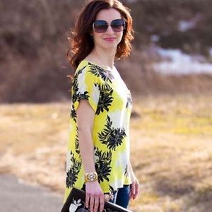 ANN TAYLOR LOFT Floral Top Small